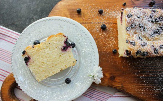 Powroty bywają ciężkie…i coś słodkiego – drożdżowe ciasto bez mleka i jajka