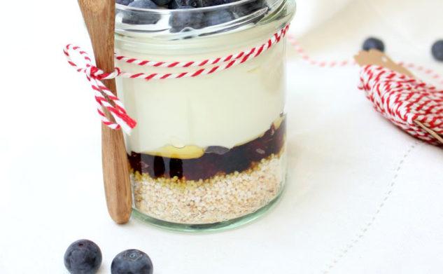 Zdrowa przekąska, czyli jogurt w słoiku