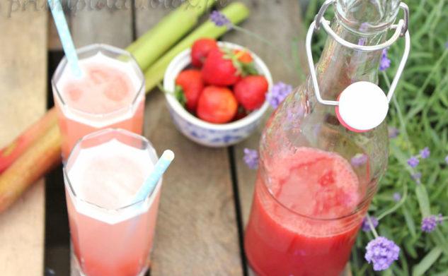Sok rabarbarowo – truskawkowy