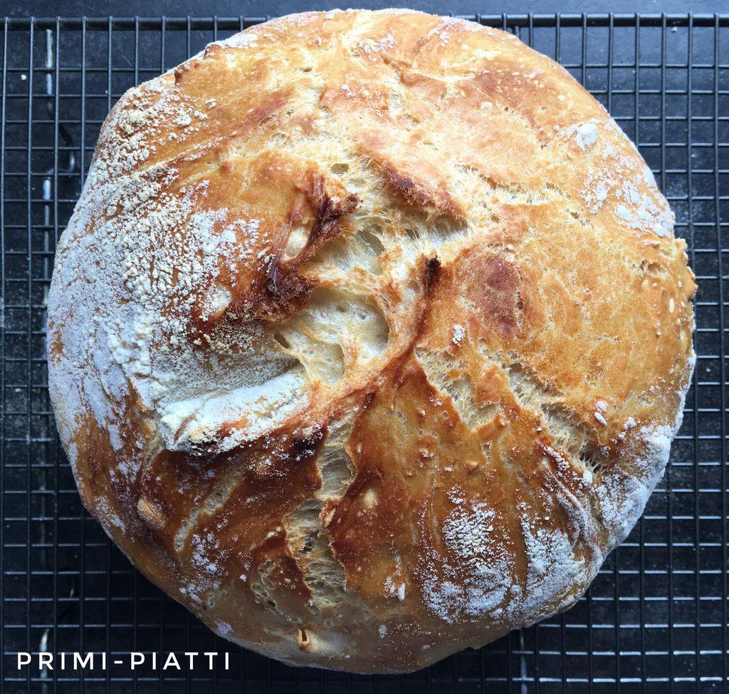 Chleb z garnka, czyli chleb z chrupiącą skórką