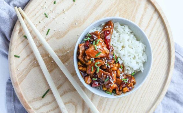 Obiad w 15 minut, czyli kurczak teriyaki z papryką i kukurydzą