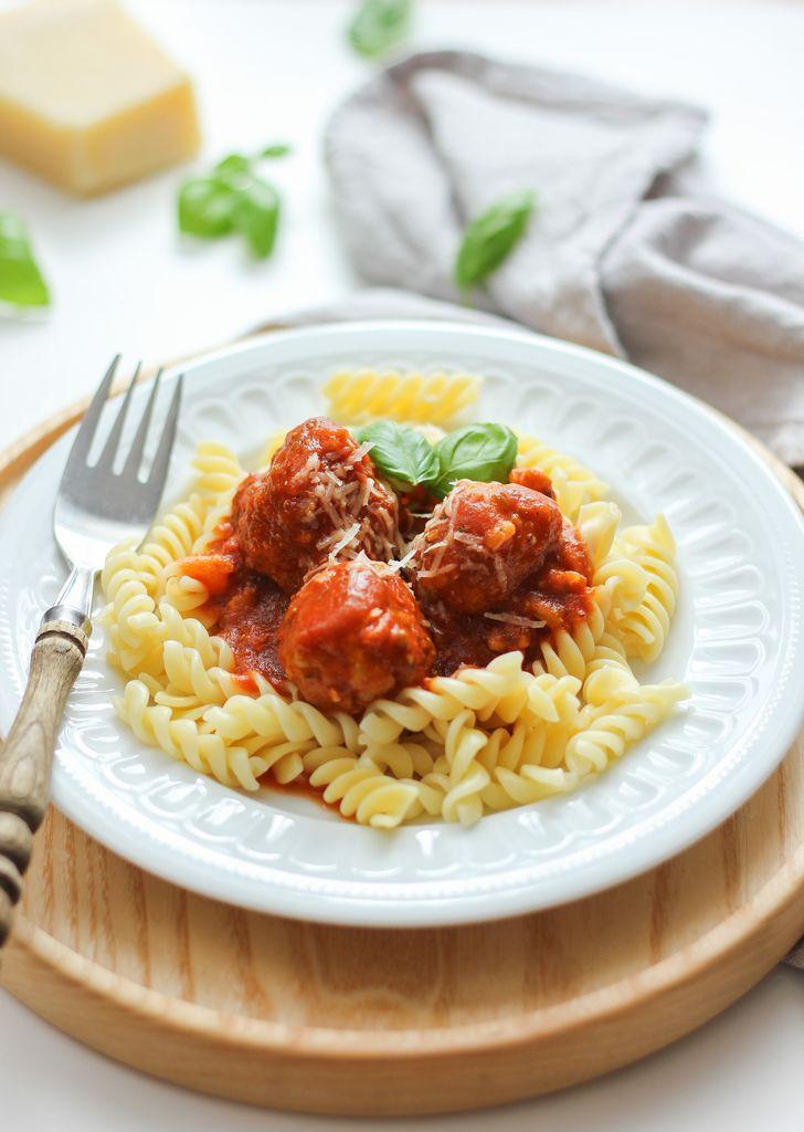 klopsiki z sosem pomidorowym