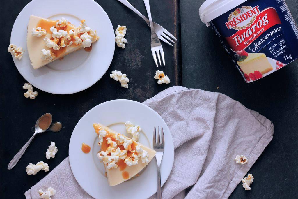 sernik karmelowy z popcornem - bez pieczenia