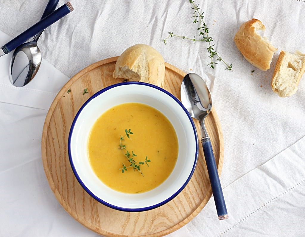 rozgrzewająca zupa krem z cukinii